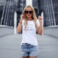 White Basic Shirt VOGUE.AT.HEART Statement Print